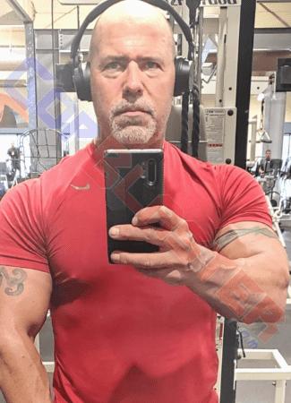 Curt Bull's Seasoned Beefcake Selfie